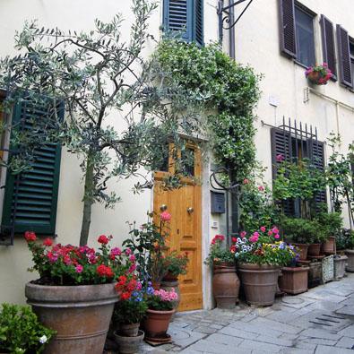 Castellina street