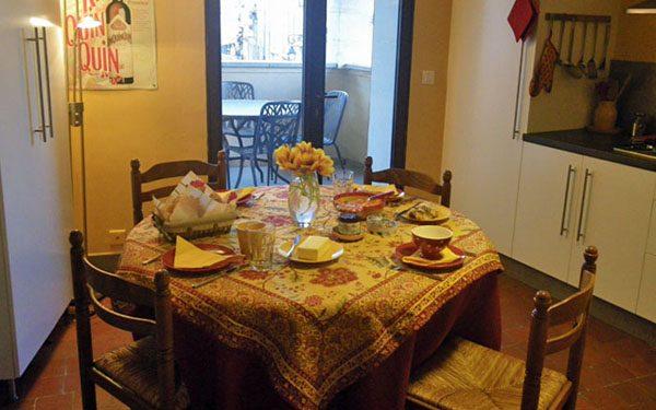 Bonnieux apartment - kitchen